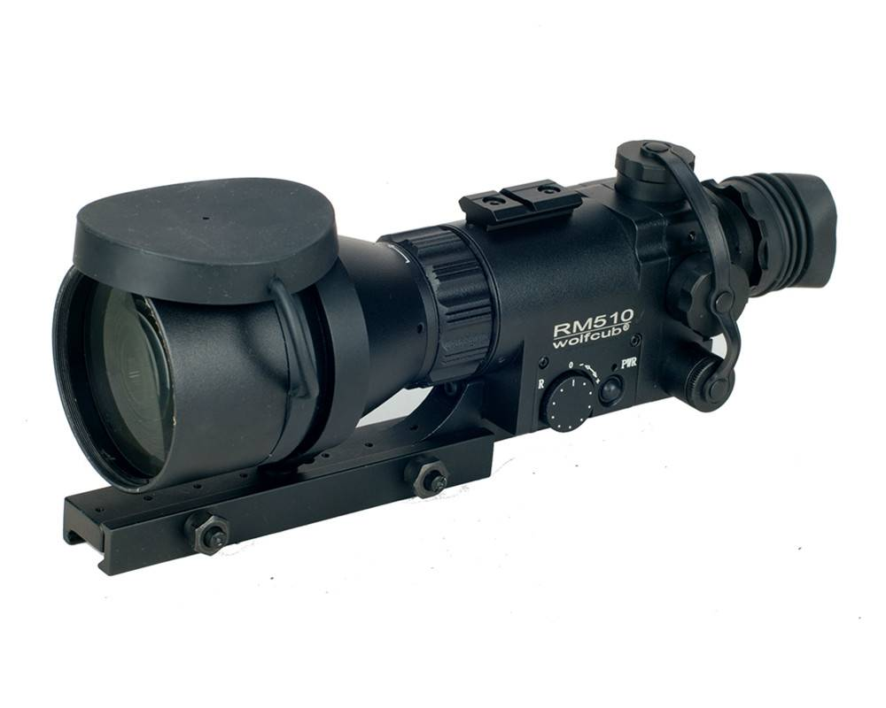 Gen1+ night vision riflescope with 5x magnification