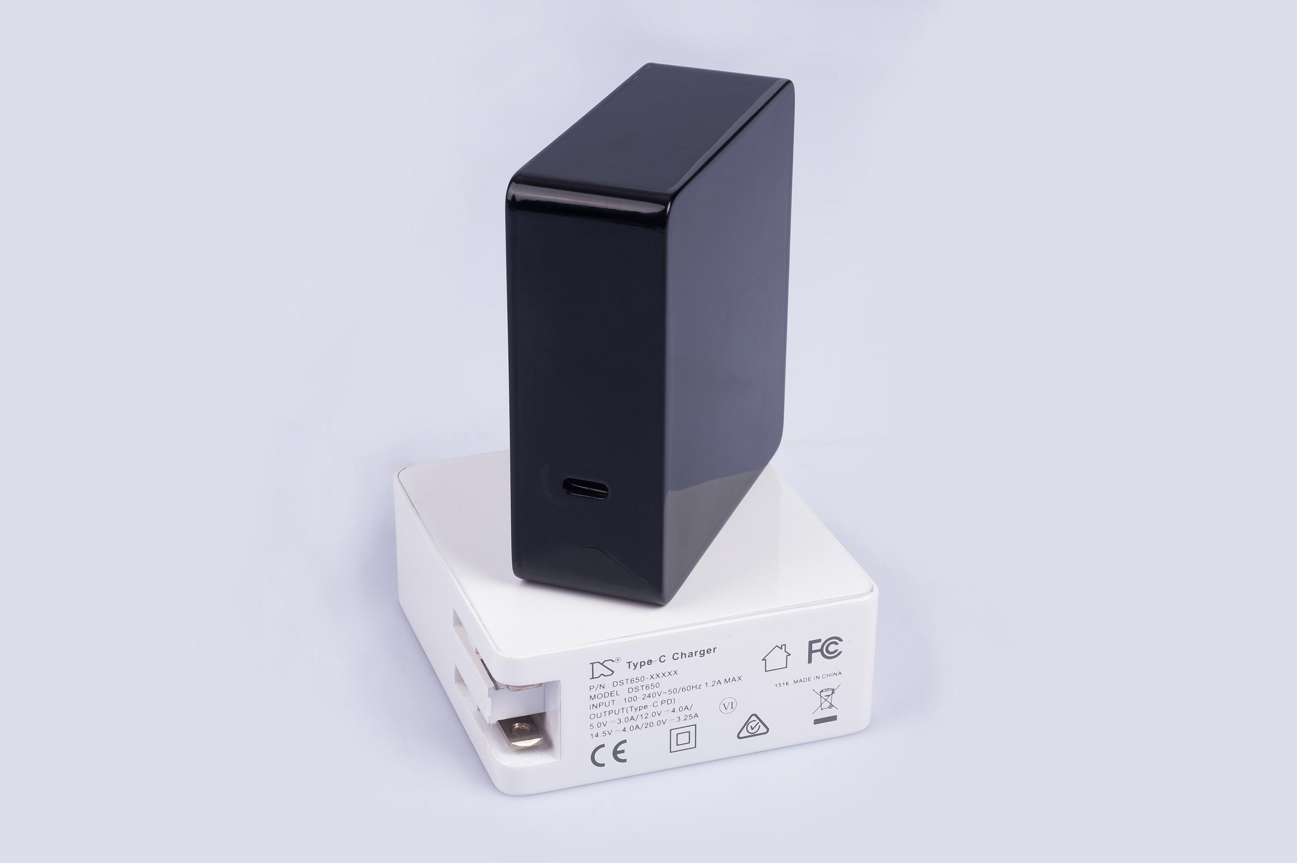 High quality 60W max type C power adapter