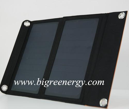 Foldable solar mobile charging bag