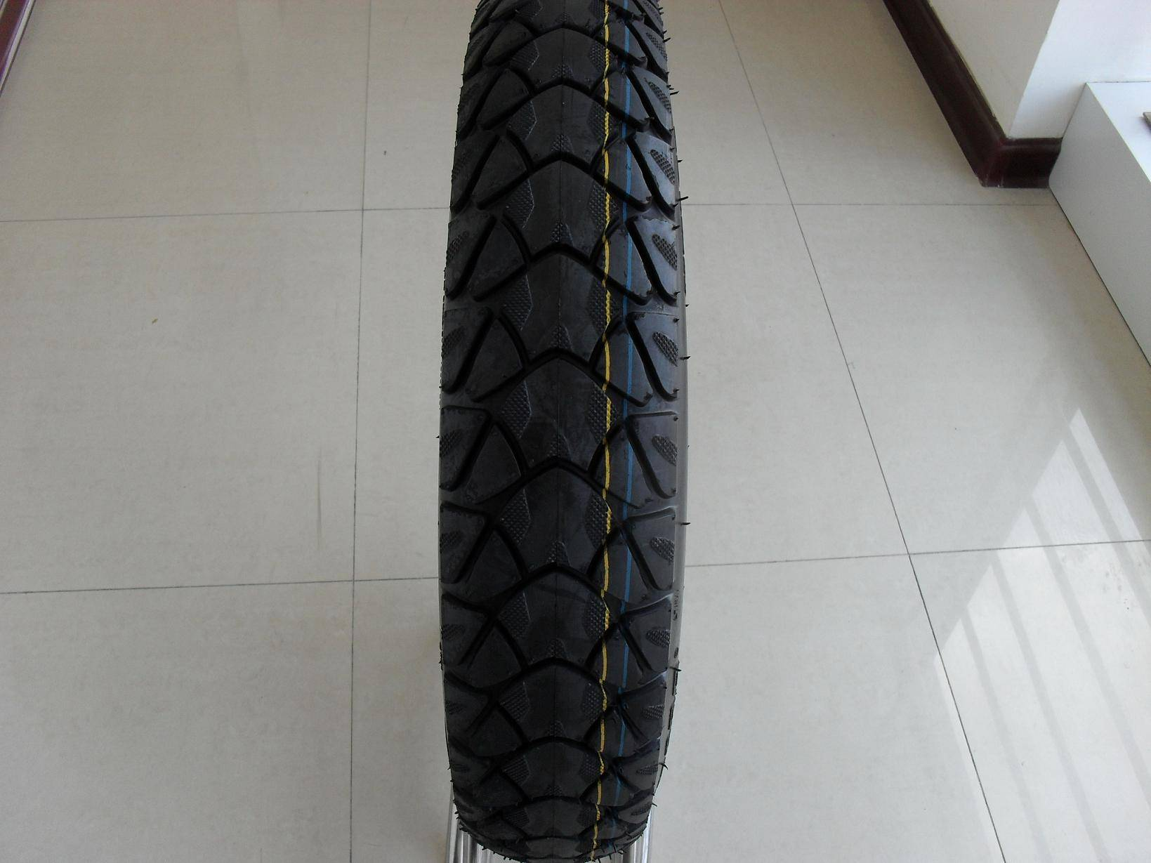 motorcycle tyre tire 110/90-16