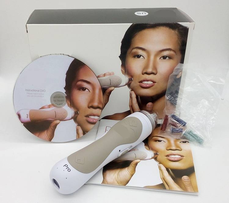 Hot product Personal Microderm Device Micro dermabrasion System Skin care 2 colors face beauty equip