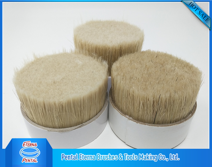 50% wihte bristle and 50% wihte filaments