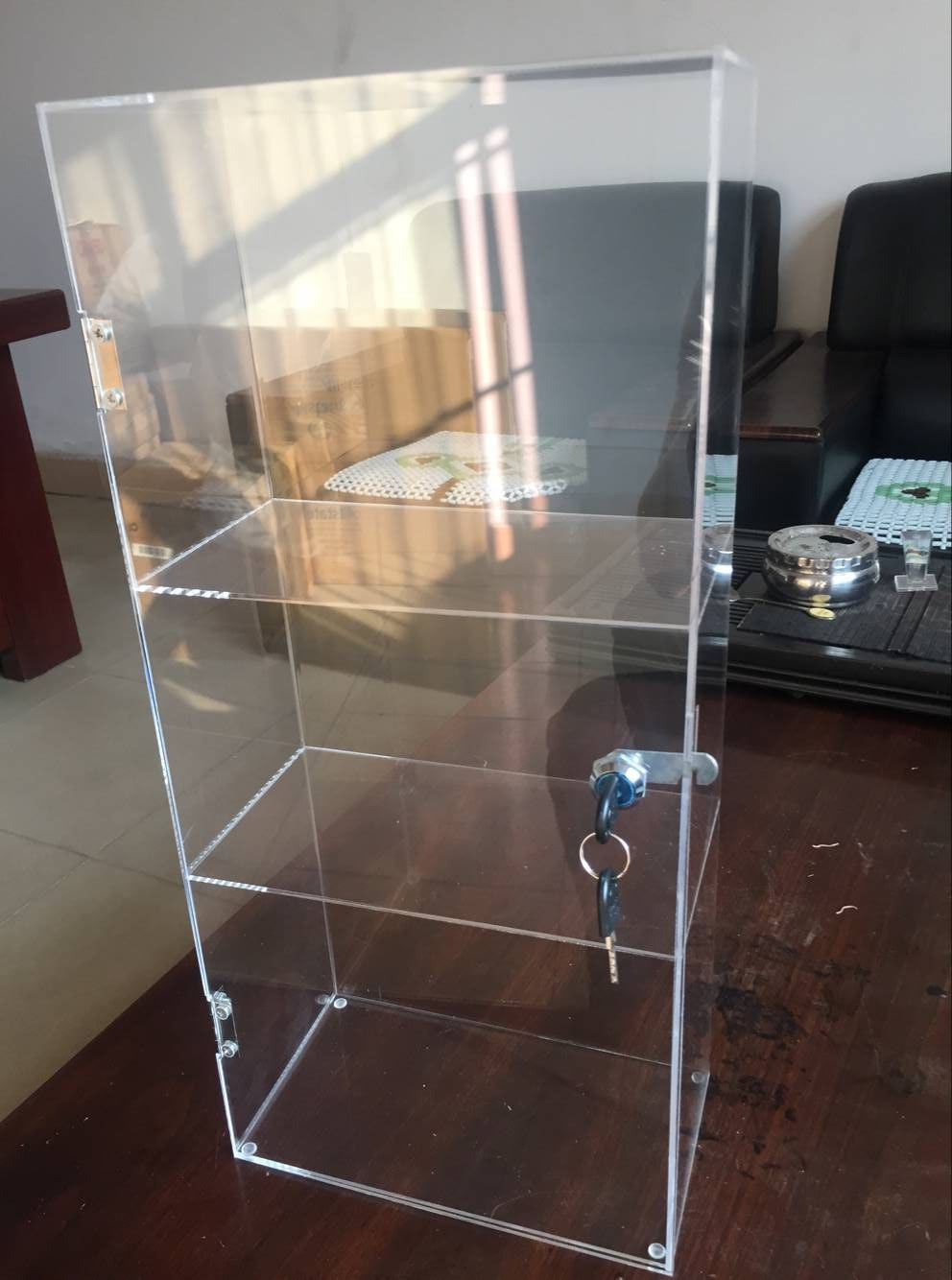 GMT 360 degree rotated acrylic display case