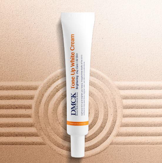 DMCK Whitening Tone Up White Cream - immediatly brighter and whiter skin