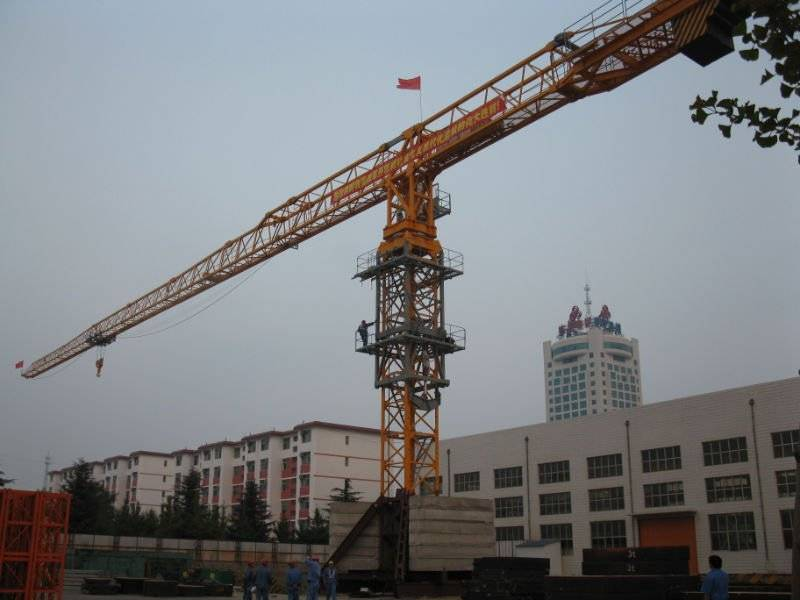 TC7030 new tower crane with high quality and competitive price for rent