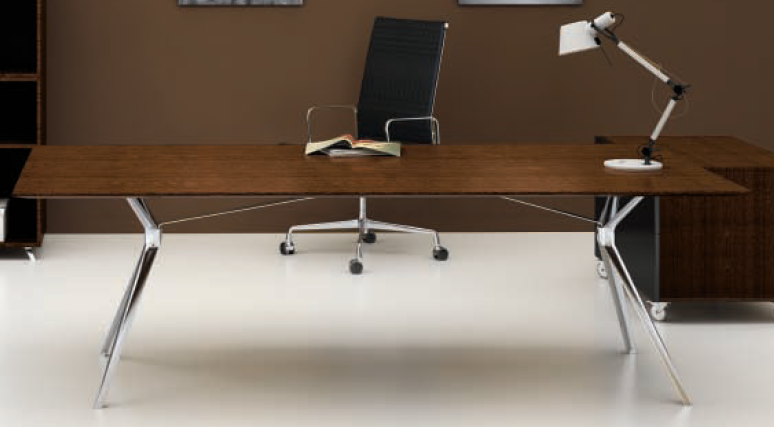 Trio Series Manager Desk
