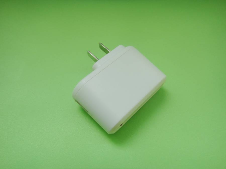 Charger/Accessory for iPhone, iPad, Samsung, HTC and Nokia, 5V DC Output Voltage GYS-012
