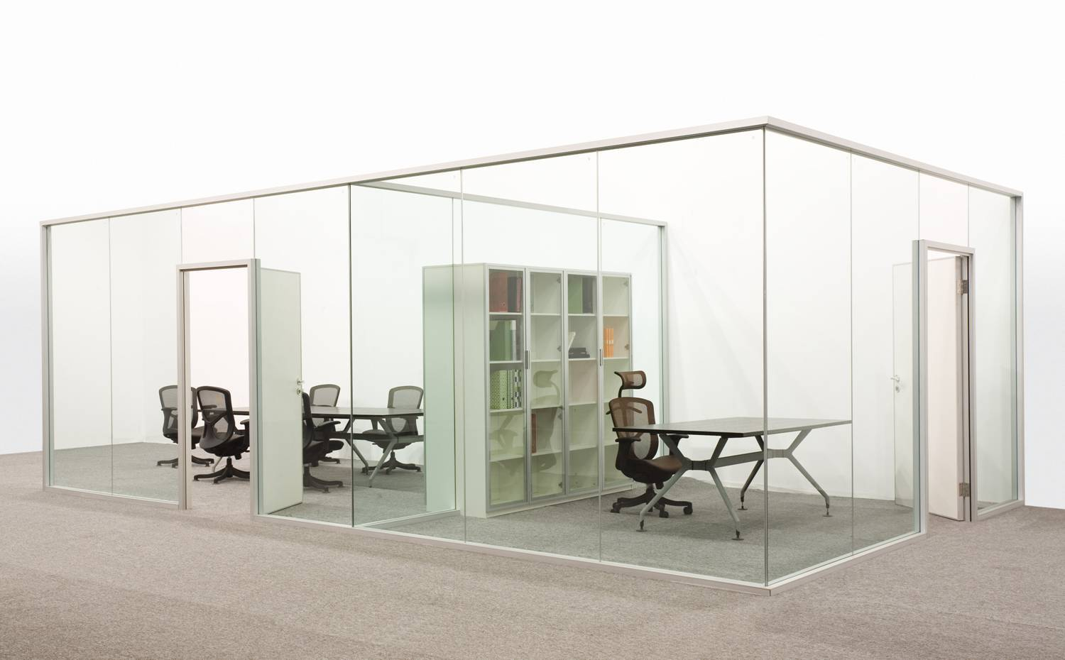 Full height office demountable wall partition profile with single glass transparent effect
