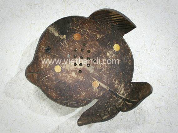 Fish Coconut Shell Soap Dish   VHE72