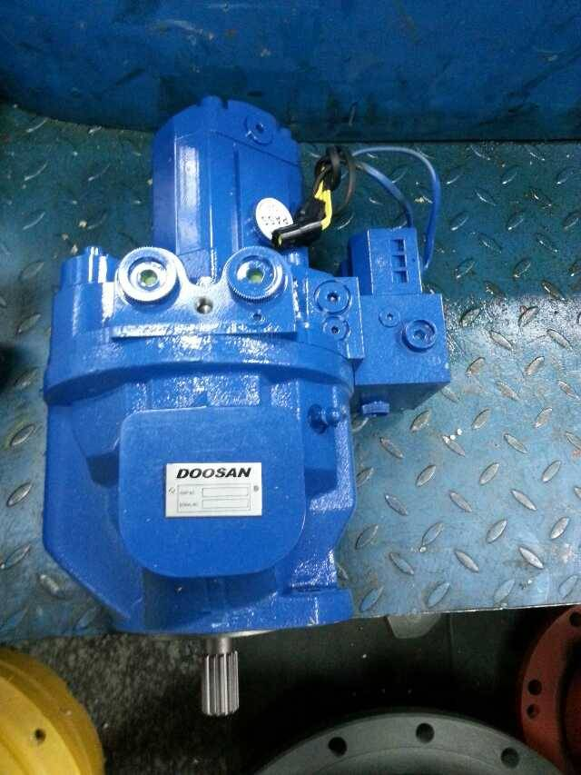Doosan Solar300LC hydraulic pump,part number 401-00424B