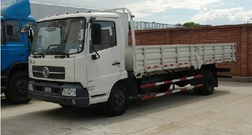 4X2 dongfeng cargo truck made in China