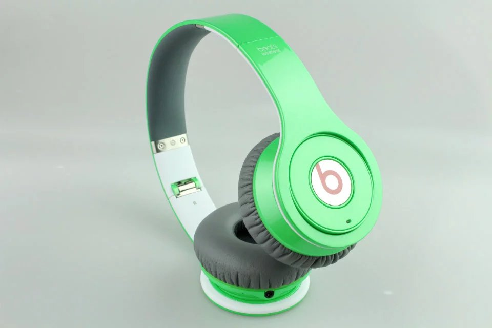 Beats Solo Wireless Headphone Green