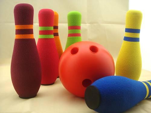 Kids' fun bowling