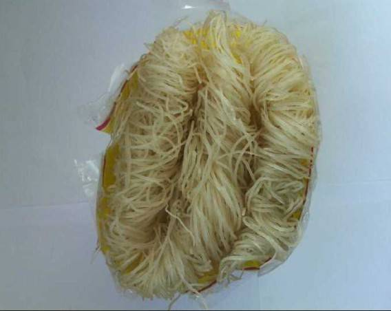 Asian type rice stick noodle free of fat