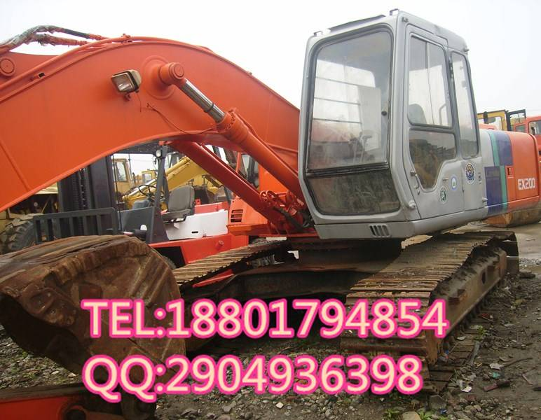 used good condition Hitachi EX200-2 in japan for sale