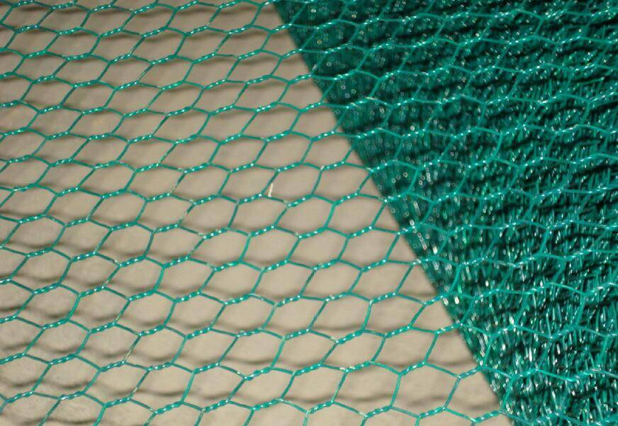 "Garden Zone150Ft Poultry Netting With 1in Hex Mesh /60""H X 50'L 2"" HEX MESH 20GA GALVANIZED STEEL ch"