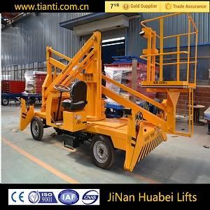 Self propelled boom hydraulic lift platform
