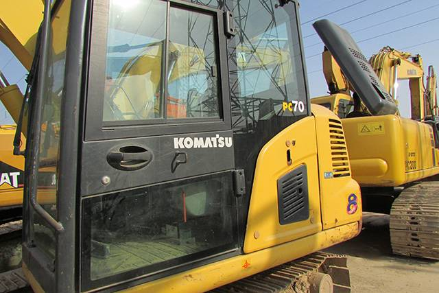 Used Komatsu PC70-8 Crawler Excavator