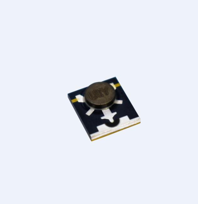 UIY RF Microstrip Isolator 7GHz-9.5GHz Variety Spec Customized