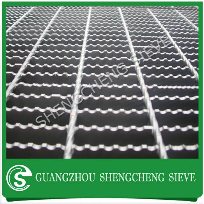 Hot dipped galvanized catwalk serrated steel bar grating