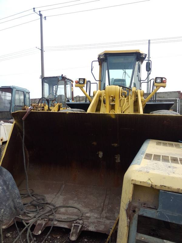 Used KOMATSU Loader WA470 in good condition