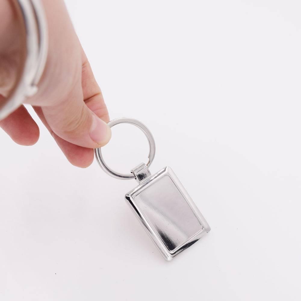 Plating custom metal keychain with keyring