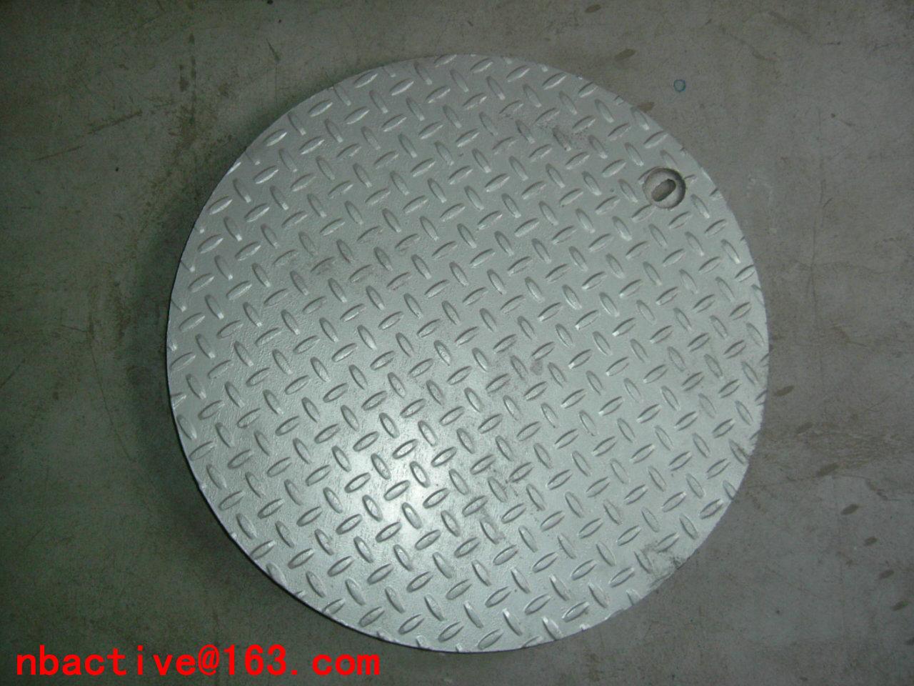 Manhole cover 04