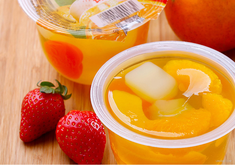 Hot sale high qualtiy yammy canned fruit cocktail and fruit cocktail cup