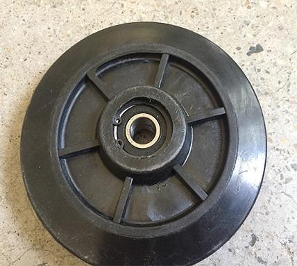 Idler wheel drive wheel road wheel