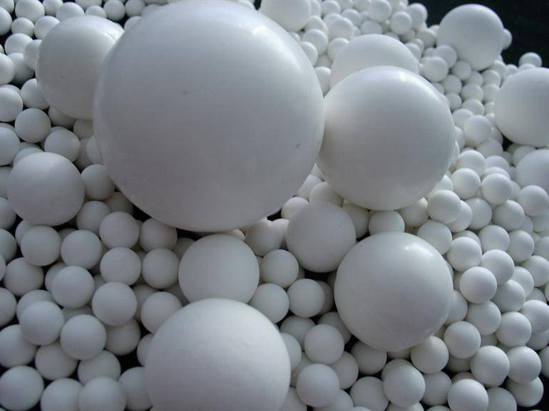 99% tahan abrasi dan korosi bola keramik alumina aluminium oksida