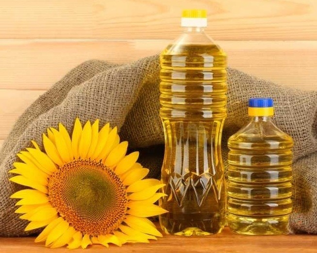 Sell Crude (unrefined) sunflower oil, from Ukraine