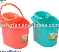 plastic colorful mop bucket with comfortable handle