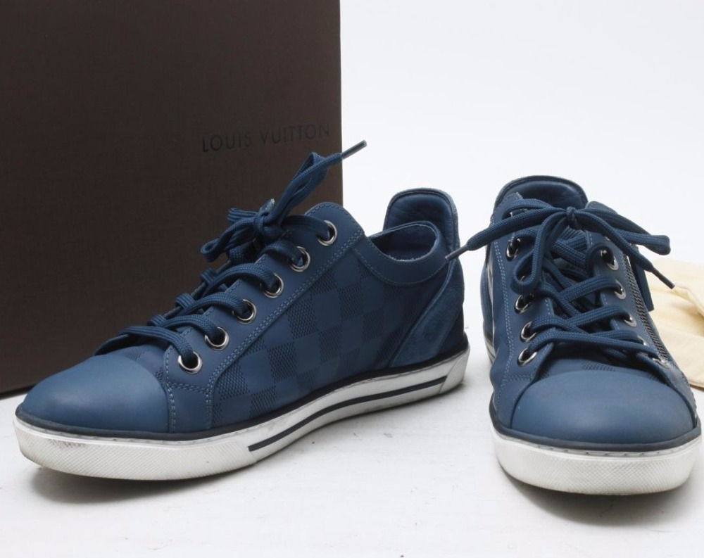 High quality Used Brand LOUIS VUITTON MS1104 Blue Sneaker shoes for bulk sale.