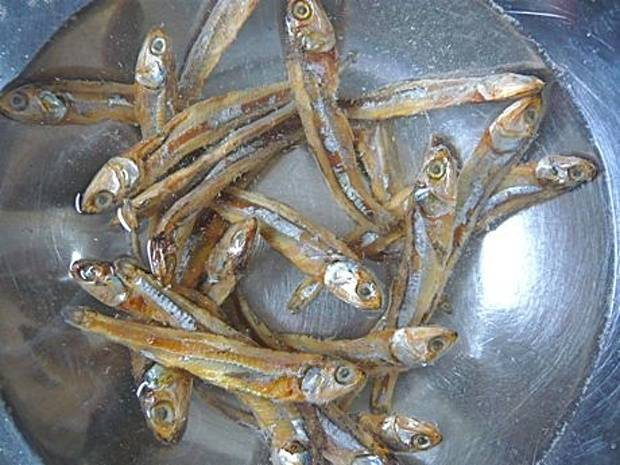 Dried Anchovy With Head Or Headless (Sprat) Best Price/Dried Anchovy/ Steamed Dried Anchovy