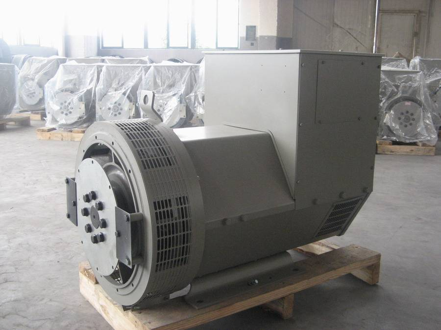 Brushless Type Three Phase Alternator 600kW at 1500RPM 50Hz 400/230V