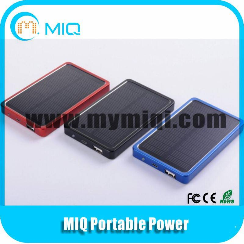 Hot sale slim solar charger with low price 5000MAH high capacity