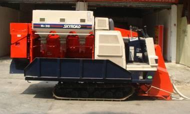 used Kubota combine harvester R1-30