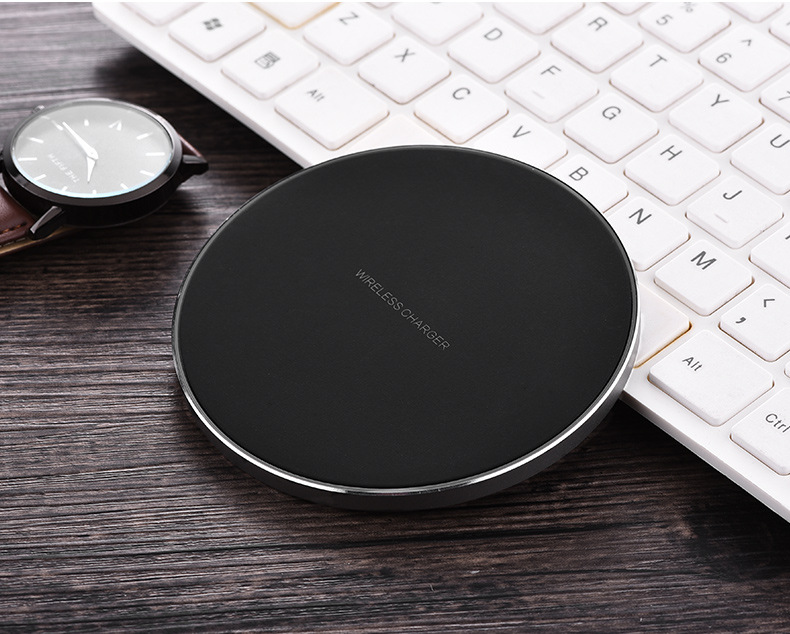 Fast wireless charger with metal back case