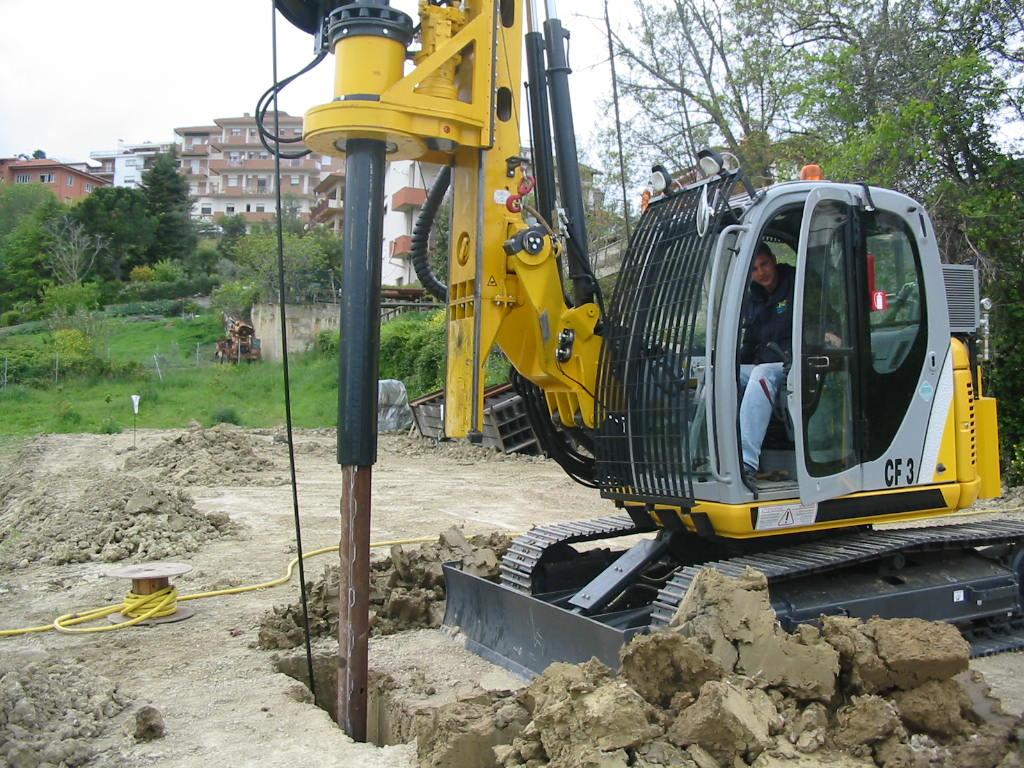 New piling / drilling rig Tescar CF3 DW