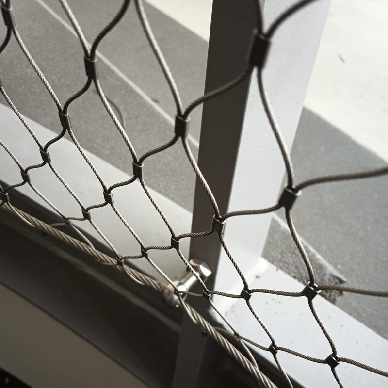 X-tend stainless steel cable mesh for stairs railing
