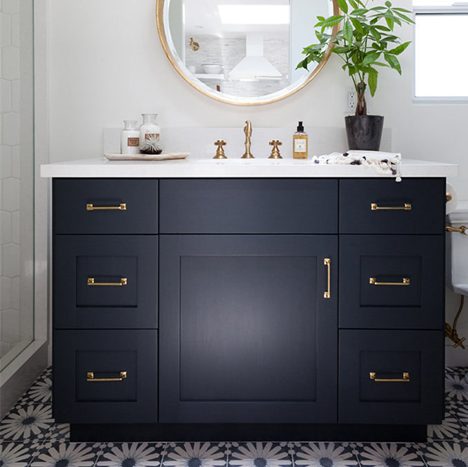 Transitional American Style Solid Wood Bathroom Kitchen Vanities Cabinet High Quality China Supplier