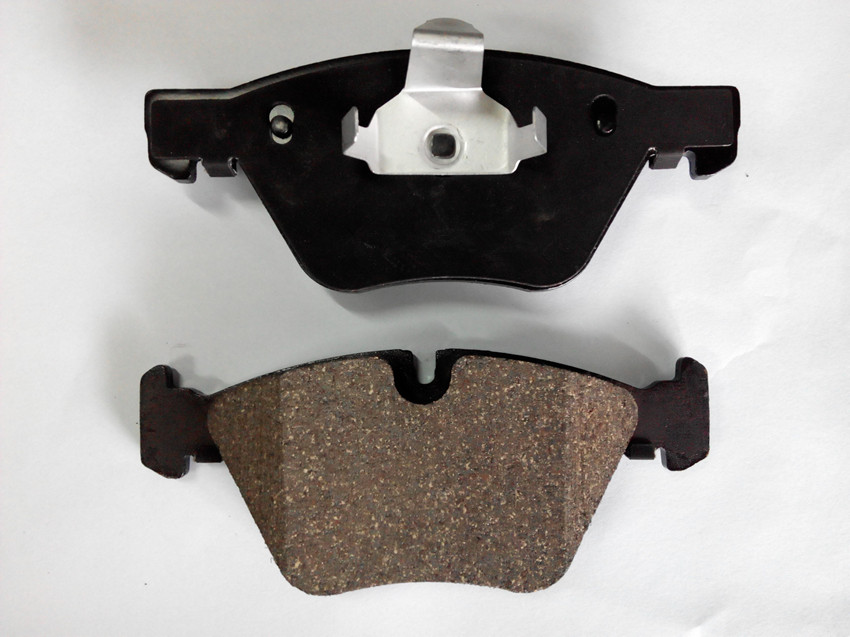 D1042 brake pad for BMW auto car.ceramic brake lining