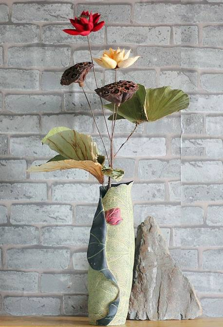 Dried natural lotus seed and leaf crafts christmas crafts household items