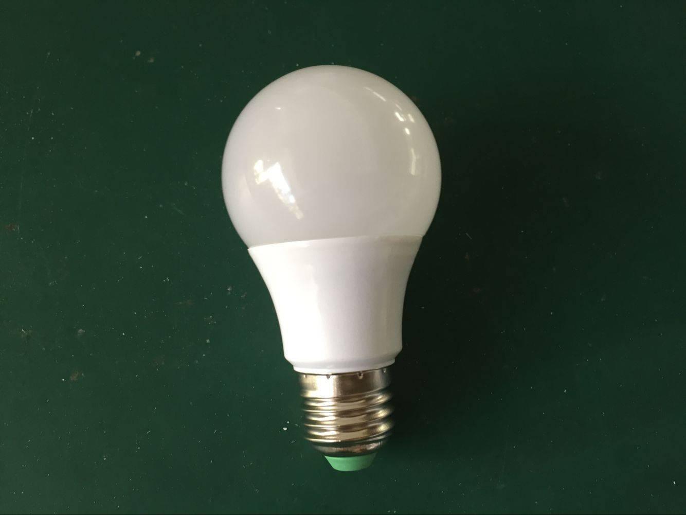 E27 base high energy saving 9W led bulbs