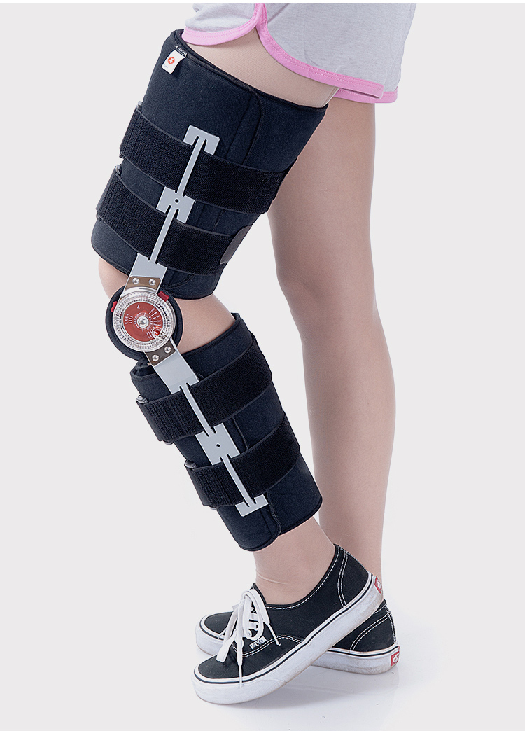 Orthopedic knee support brace with hinge for knee injury
