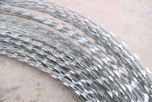 low price concertina razor barbed wire finished goods and materials