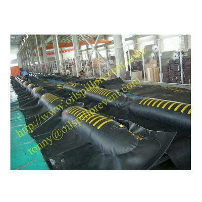 air inflated rubber containment barrier From Evergreen Properity in Chinese(Qingdao Singreat)