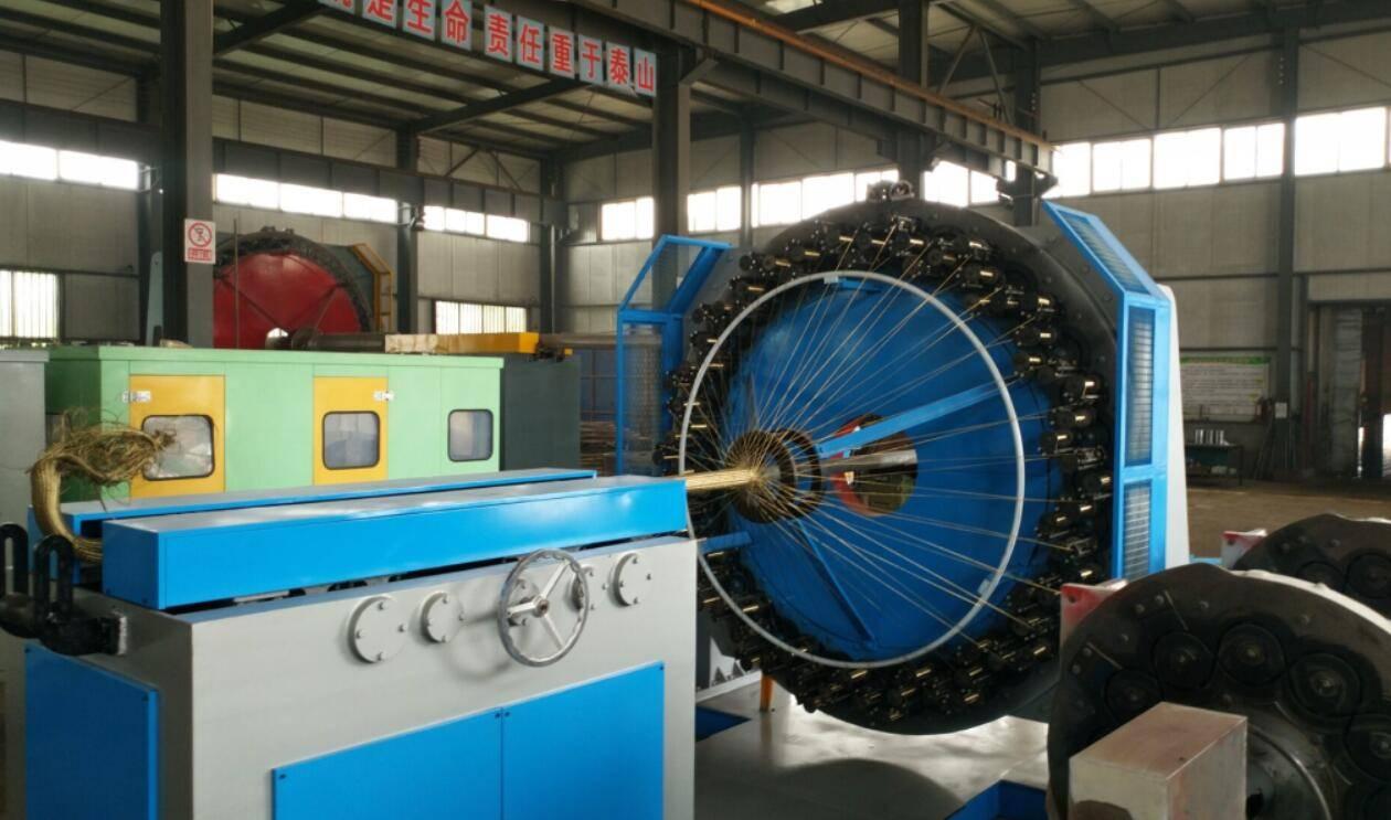 High pressure hydraulic hose braiding machine