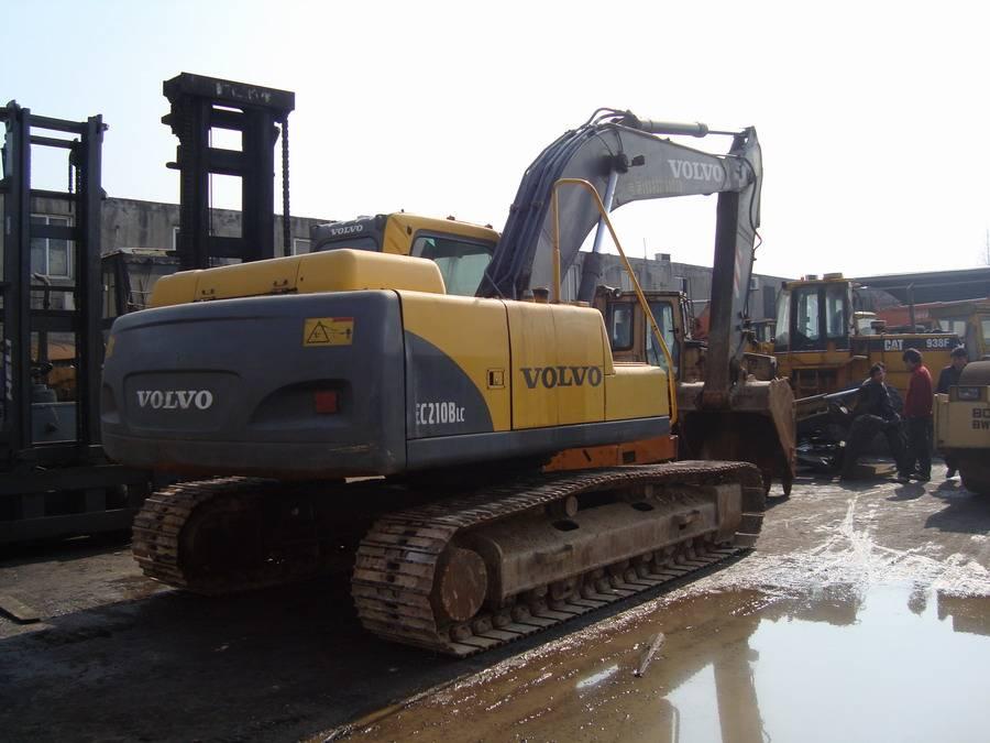 used VOLVO excavator EC210