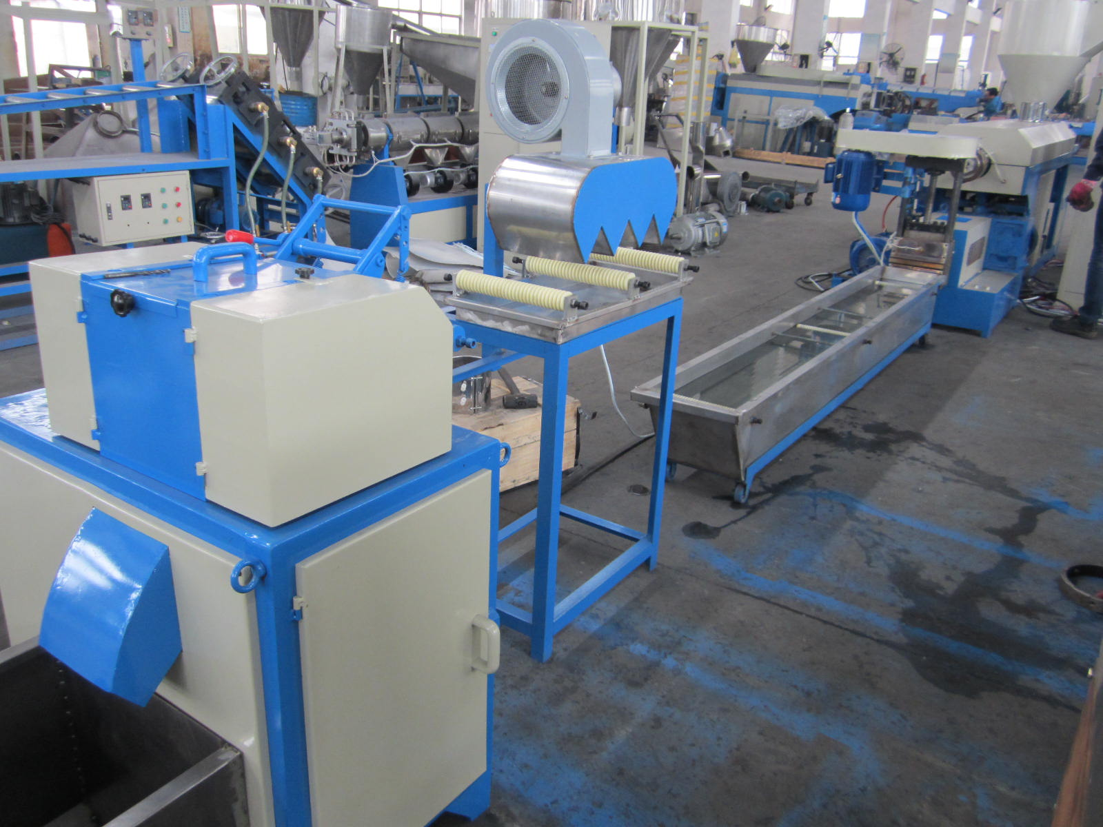 Water-Cooling Type Single-Stage PP/PE/Pet Plastic Pelletizing Machine